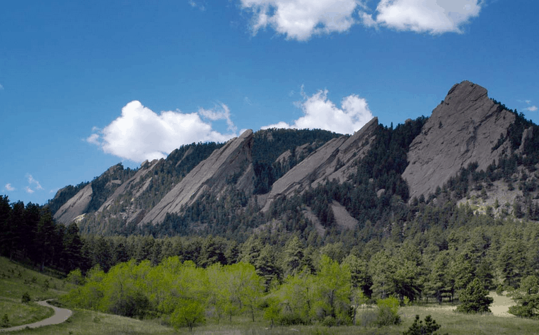 top hiking trails in colorado