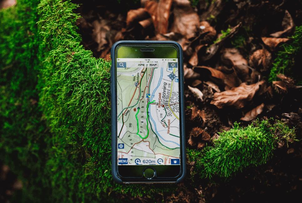 Garmin Oregon vs Montana: Which GPS Should You Buy [2021 Update]?