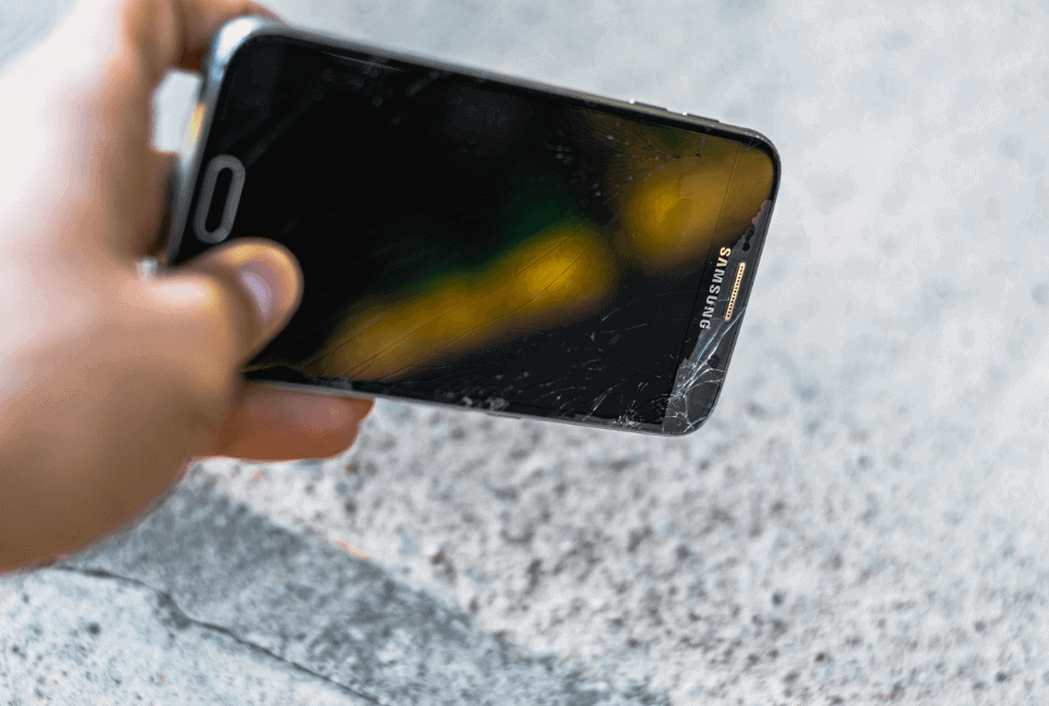 Otterbox Symmetry vs Defender – Which is Best for Your Phone?