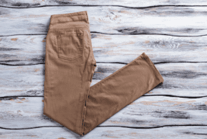 Read more about the article prAna Dollia Ankle Pant Review: Is It Perfect For The Outdoors?
